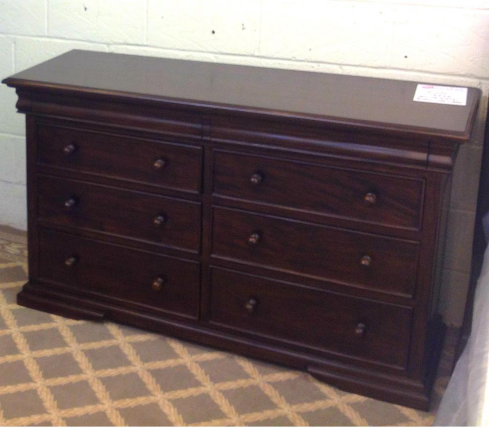 Deluxe Sleigh 8 Drawer Wide Chest