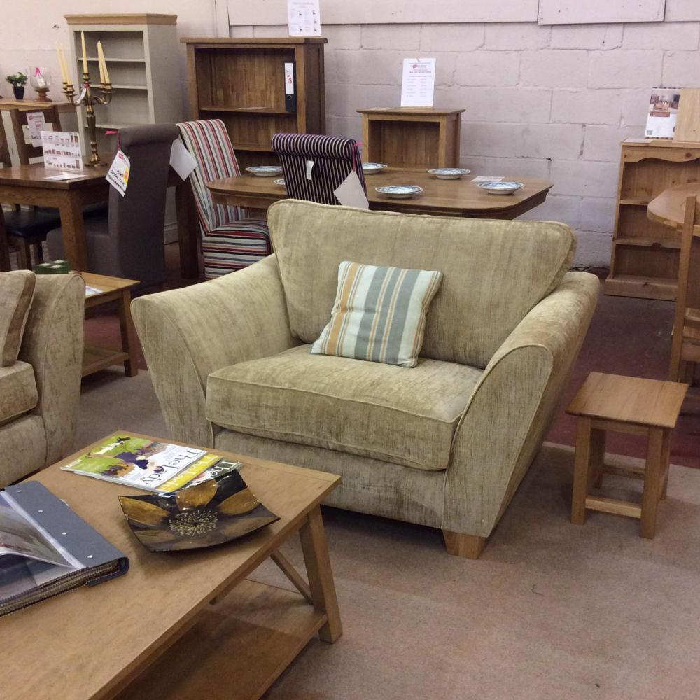 Ashley Manor Alexis Snuggler Chair