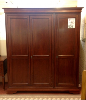 Toulon Triple Fitted Wardrobe - Clearance