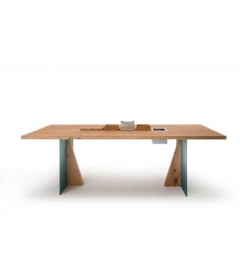 Conarte Vertigine + Iron Oak Table (Triangular Legs)